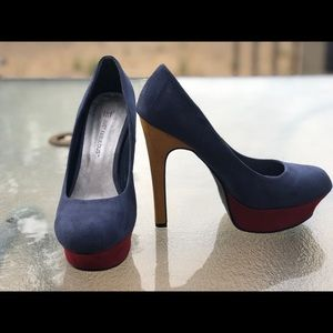 Size 8-1/2 Shoes - Blue/Burgundy/Mustard